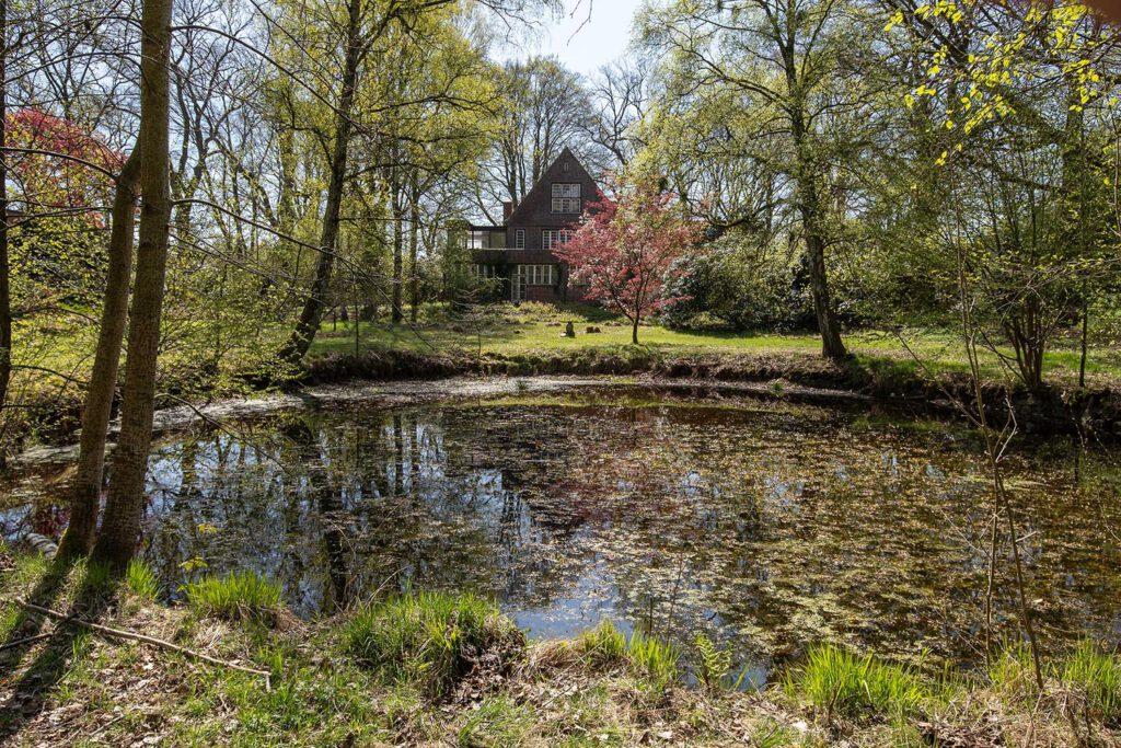 Künstlerhaus Maetzel Garten im Sommer